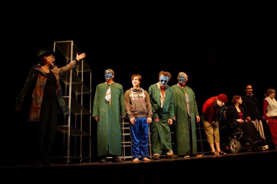 Der gute Mensch von Sezuan Minotauros Kompanie inklusives Theater 018