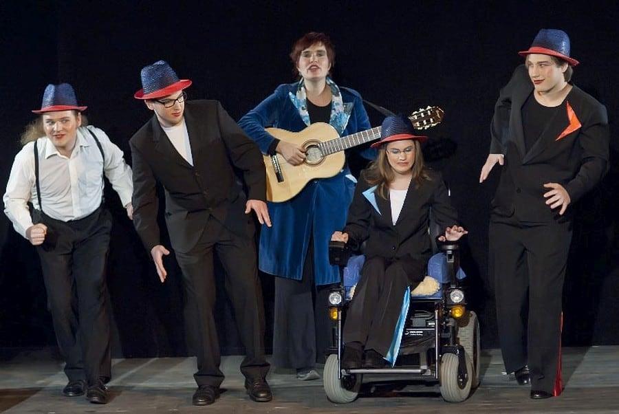Revue a la Carte Minotauros Kompanie inklusives Theater Ensemble 001