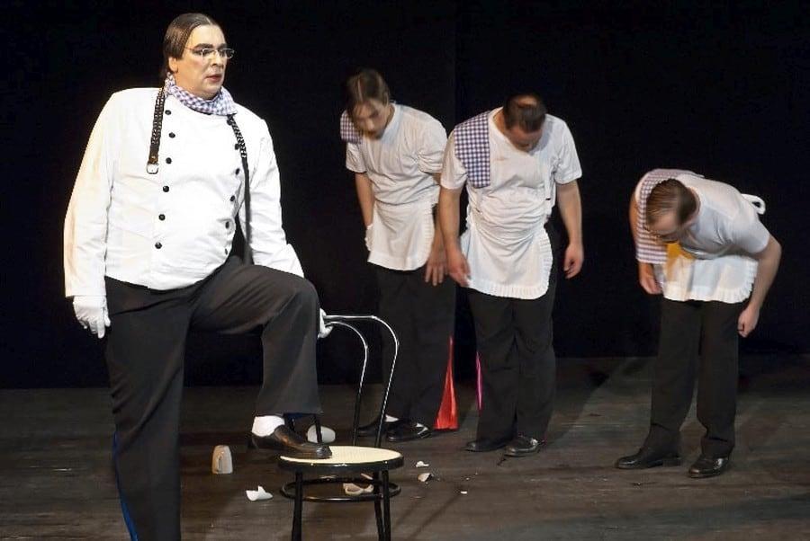 Revue a la Carte Minotauros Kompanie inklusives Theater Ensemble 003