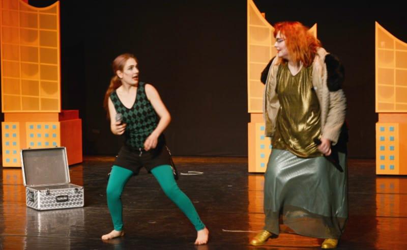 Schauspielerin bewerben - inklusives Theater - MINOTAUROS KOMPANIE